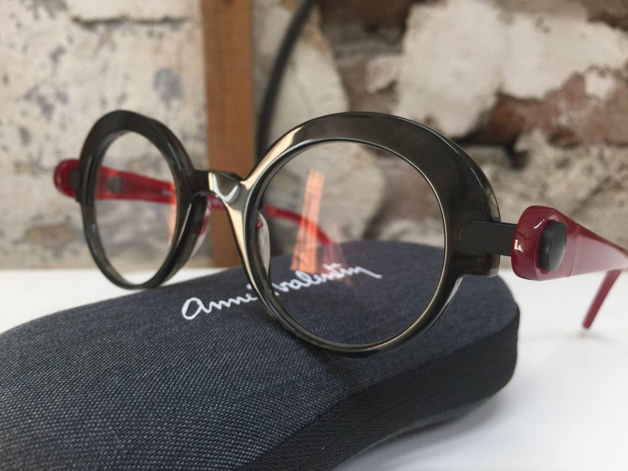 f6c47e84ac1621 acheter une paire de lunettes anne et valentin, Le Havre 76. Trouver le  modèle PIERCE Rue des ateliers le havre ...